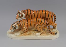 德国图灵根双虎瓷雕 尺寸:36×15×20CM 品相完美,无损 双虎,虎虎生威,非常漂亮