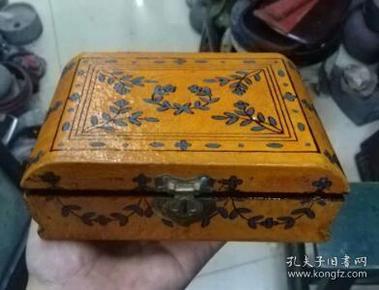 创汇时期,木胎花卉漆首饰盒
