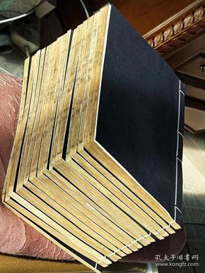 658大明万历16年,南京国子监(北齐书)16厚册40卷,金华王氏收藏过,左下角有万历刻书工名字,精修过,尺寸25.5-16.5公分,此书存世罕见