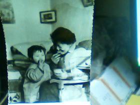 3寸黑白照片 。