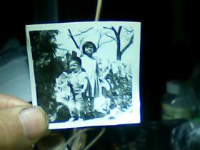 1寸半黑白照片俩小孩