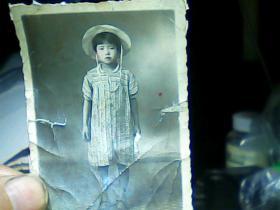 2寸半黑白照片 小女孩