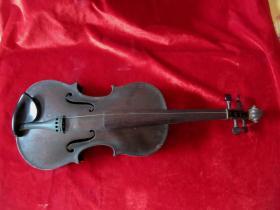 五、六十年代褐色手工小提琴