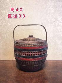 竹编提篮,做工精细,精美漂亮,包存完整,包浆浓厚,全品