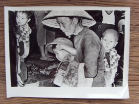 超大尺寸老照片:【※ 1979年,对越自卫反击战----受越南驱赶回国的华侨 ※】