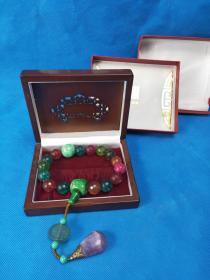 早年 原盒  碧玺佛珠 ,晶莹剔透, 不可多得 稀少珍贵  值得收藏