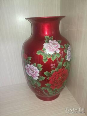 景德镇(花开富贵)红釉瓷瓶一只(已丑年2009年)