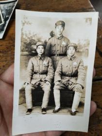 建国前后――中国人民解放军绑腿合影照片