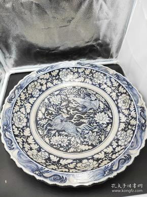 元青花盘子,直径45公分,龙是身份的象征