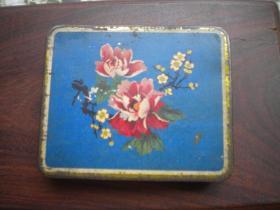 《老铁烟盒》,长7.5厘米宽9厘米厚度1.5厘米,N447号,老烟盒年代不详
