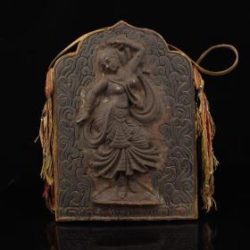 尼泊尔寺院收老木头镶嵌天铁舞女佛版    重2103克   高32厘米   宽22.5厘米