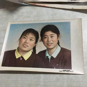 姐妹俩老照片