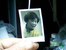 1寸上色照片 妇女头像