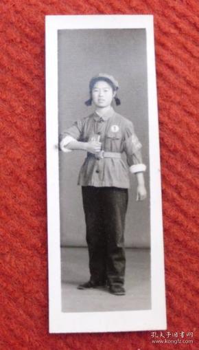 文革时期老照片,原照--女兵芳华--收藏夹相册