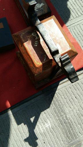 手提龙梁人物绘画故事木盒