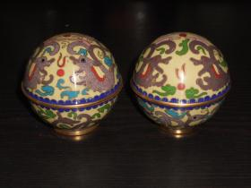 七八十年代老货手工艺品铜胎景泰蓝 磨蓝地球形开盒(双龙戏珠1对) 尺寸约:高7公分,直径7公分