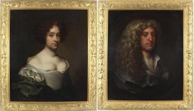 英国17世纪古董人物肖像油画一对 尺寸:带框尺寸89×77CM 尺寸:画面尺寸76×64XM 作者:(英)杰拉德.索斯特(1600-1681)这对油画由英国著名的肖像画家杰拉德.索斯特所绘,17世纪后期他是英国家喻户晓的肖像画家,画了一系列非常著名的肖像画,如威廉莎士比亚和巴特勒的肖像。这对画是他为诺丁汉郡托马斯.威廉森爵士和他的妻子多罗茜.威廉森画的肖像画。画面有三处非常古老的小修复,整体品佳