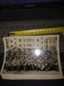 1973年国营江淮仪表厂欢送三支两军同志离厂留影