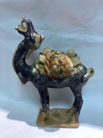 唐代三彩蓝釉骆驼保真