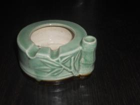 早期竹子瓷塑烟灰缸(尺寸约:9.5×8.5×5cm)
