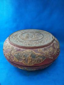早期  《 漆器木大盒 》剔红雕刻花纹制作 精美 刻有风景图案 又称雕红漆,红雕漆,中国漆器工艺的一种,此法常以木灰、金属为胎,在胎骨上层层髹红漆,少则八九十层,完整   值得收藏