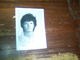 1寸半黑白照片 青年