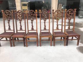 民国时期老上海风格柚木法官椅,造型古朴典雅,高浮雕精美图案,一套6把,保存完好,十分难得尺寸:长55宽50总高137座面高47厘米oz运费自理