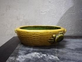 漂亮美雅的文革螃蟹纹瓷塑水仙盆