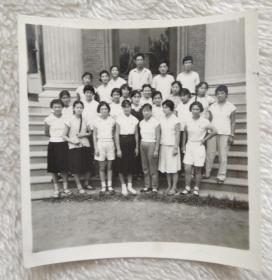 黑白照片 (小合影)