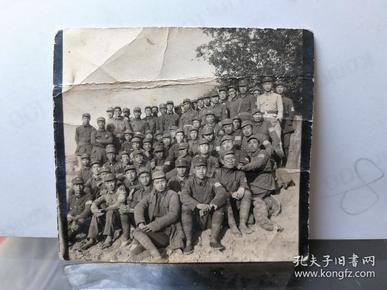 八路军延安中央党校三部三队合影(放大镜可见臂章为18GA,其余七张为一起所购。)