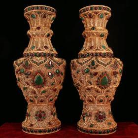 藏区回收掐丝藏银鎏金花瓶 西藏纯手工打造镶嵌宝石掐丝藏银鎏金花瓶 单瓶重1130克 高30厘米 宽13厘米 品如图一眼货