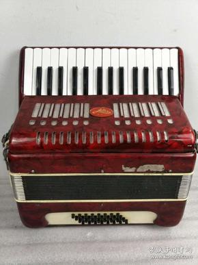 老物件,爱迪手风琴,保存完整,正常使用,收藏及馈赠佳品。