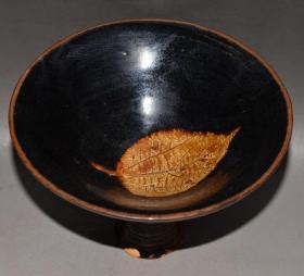 宋代吉州窑黑釉树叶纹老包浆老瓷器古董瓷器高脚碗古玩老收藏品温润如玉,为瓷中之珍品,可遇不可求,难得一见