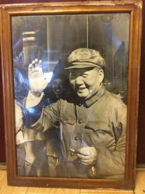 文革伟人精品老照片  :毛主席超大黑白老照片 (长约60厘米,宽约43厘米)终身包老保真