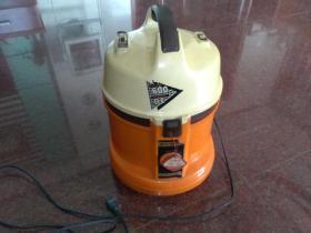 1988年生产的真空吸尘器(600W)国营绍兴电器厂(好用)