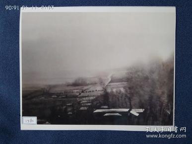 水粉画参赛作品签名照片《逝去的记忆》作者:熊晓洁(中国摄影家协会会员、江西省美术家协会会员)