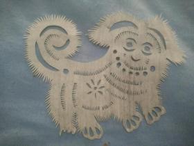 (夹4-28)建国左右 手工剪纸  狮子狗,尺寸11*10cm