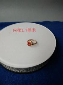 一枚天然红宝石戒指