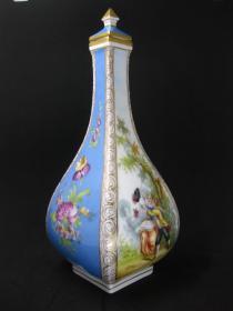 德国19世纪早期德累斯顿手绘花瓶 尺寸:高23.5CM,宽9CM 品相完美,无磕无冲,55350#