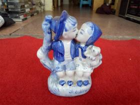 怀旧收藏 八十年代陶瓷摆件 甜蜜小情侣 造型生动可爱