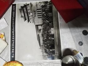 第二軍醫大學紅色*反縱隊。六二支隊戰友畢業留念。(一九六七年十二月二十六日)