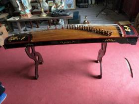 高档乐器,鸡翅木镶嵌牡丹老古筝,音质非常好,带架子,玩好无损,全品,包老