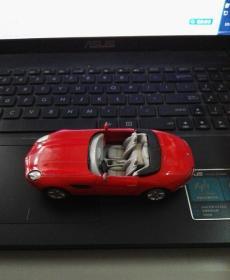 金属玩具:宝马汽车模型 (如图自鉴)