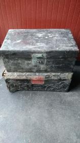 老木胎官皮箱 [太阳] 一个带工 [太阳] 品相如图 [太阳] 两个180包邮啦 [握手][握手][握手]