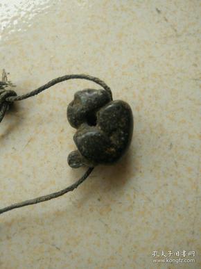 明代石刻猴子挂件。1.6/1.6