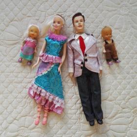 芭比娃娃 芭比一家