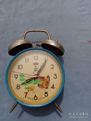 (箱8)早期 母鸡点头闹钟,秒针有时候还能动,尺寸16*11cm
