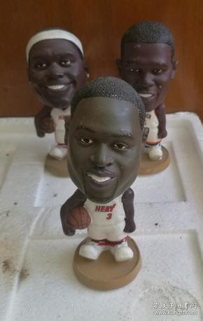 3个NBA篮球明星手办玩偶摆件