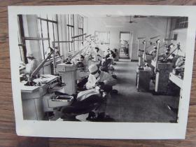 老照片:【※ 1981年,陕西省西安市新落成的口腔医院 ※】