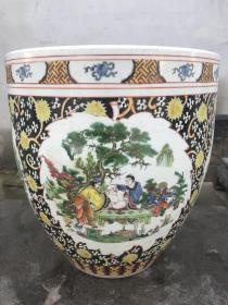 粉彩卷缸,画功精细,瓷质细腻,高43cm,口径39.5cm